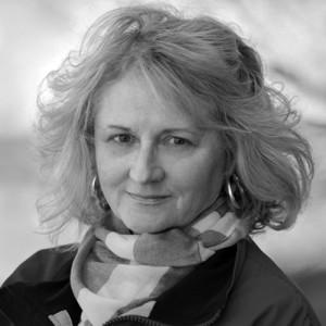 Ann Larsen -r